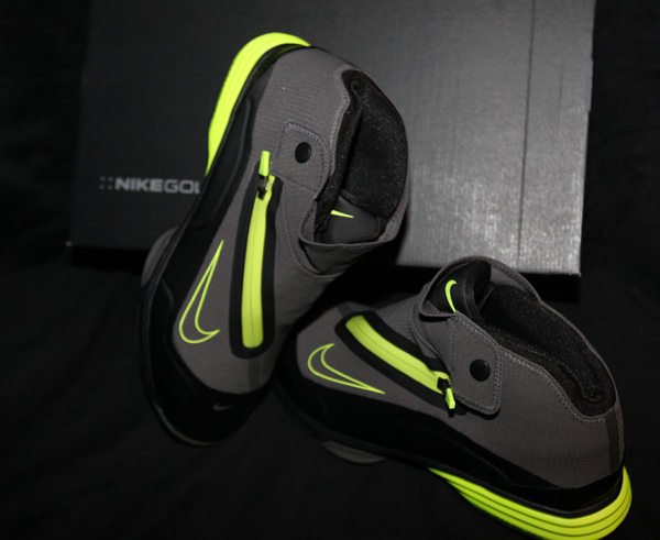 reputable site 5abb1 22500 ... Lunar Bandon II Golf Shoe look is not new to Nike but this one seems  more basketball-inspired than the earlier version.